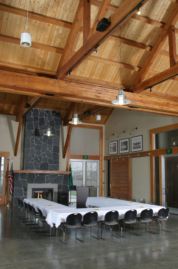 Table layout inside the Squalicum Boathouse